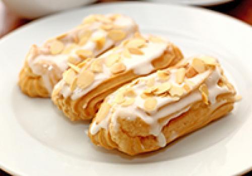 Заварное пирожное калорийность 1 шт. Сколько калорий в заварном пирожном