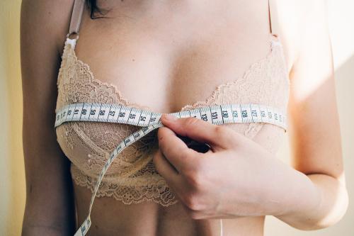Определить женский размер одежды по параметрам. Как снимать мерки с женщины?